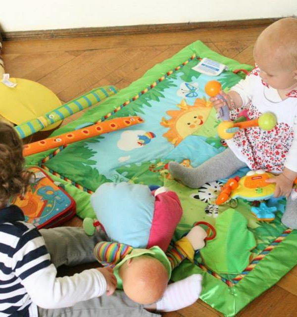 jocuri de copii până la 1 an